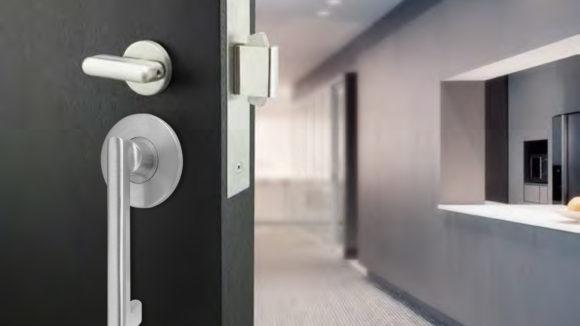 Sliding door features emergency egress