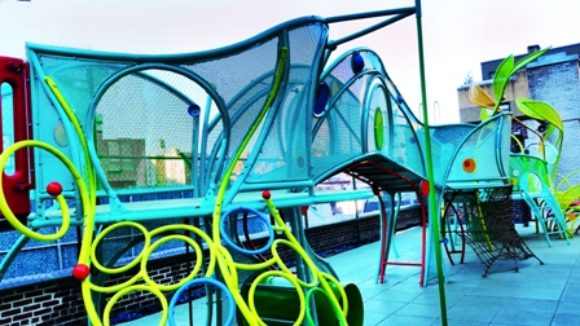 Play structure forms with metal