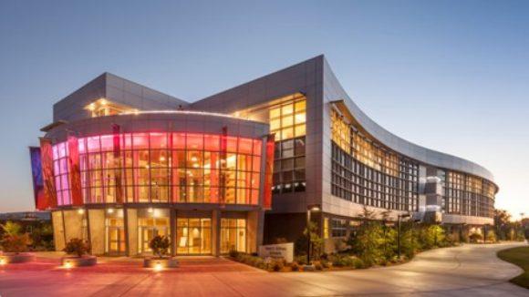 Metal panels clad art education facility