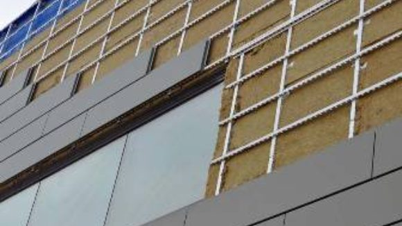 Insulated rainscreen continues barrier