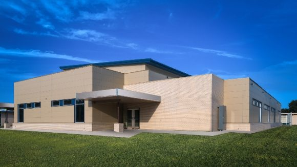 Insulated metal panels create flat appearance